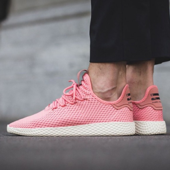 pink pharrell tennis hu